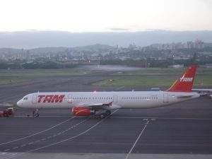 Airbus A321, TAM, 12/12/2007.
