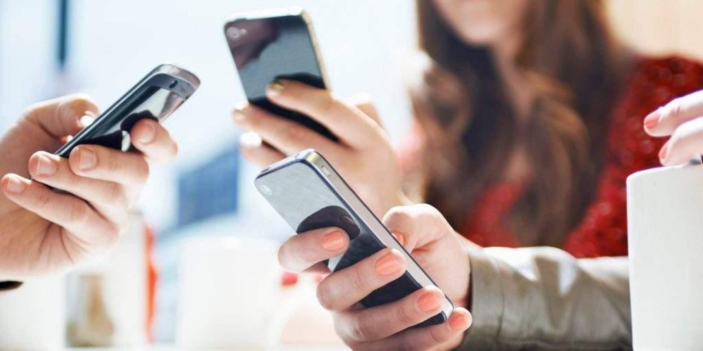redes-sociais-whatsapp-comunicacao-mensagem-etiqueta-dossie (1)