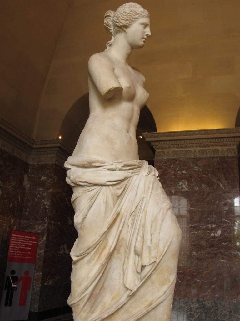 Estátua da Vênus de Milo - Louvre - Paris