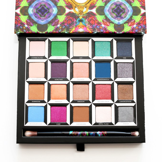 urban-decay-alice-in-wonderland-through-the-looking-glass-eyeshadow-palette