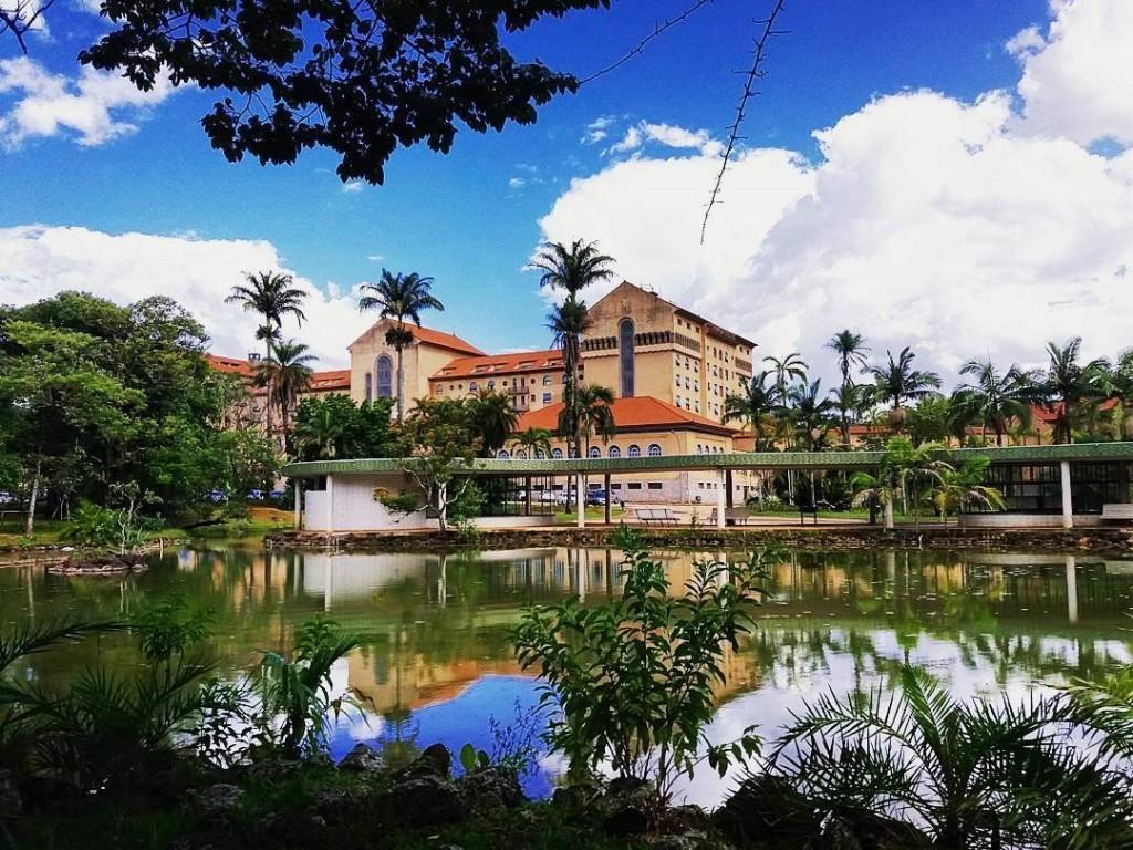 Tauá Grande Hotel e Termas Araxá - Vista do lago da frente